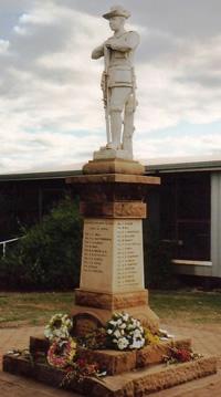 Dulacca War Memorial (Digger)