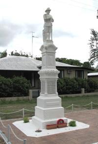 Finch Hatton War Memorial (Digger)